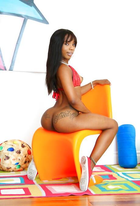 Inked Ebony girls Pictures