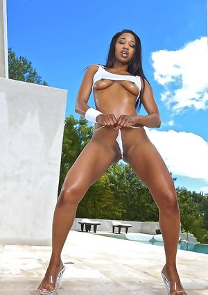 Wet Ebony Pictures