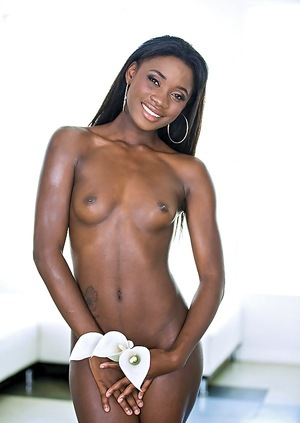Ebony Models Pictures