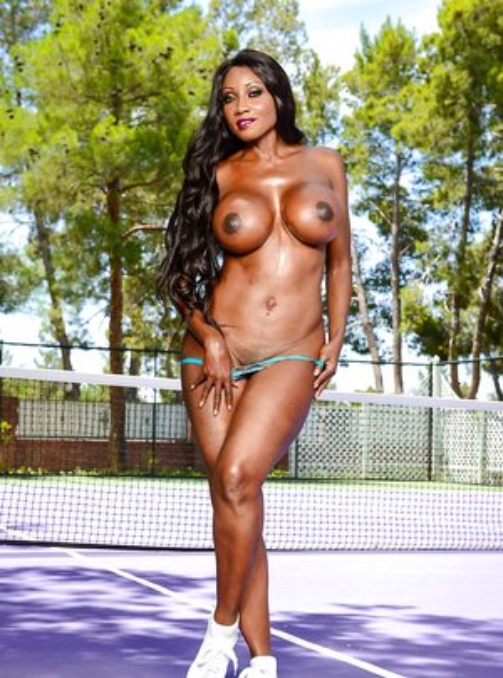 Famous Ebony Pictures