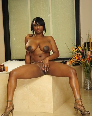 Nude Ebony Tits Pictures