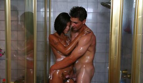 Wet Ebony Pictures