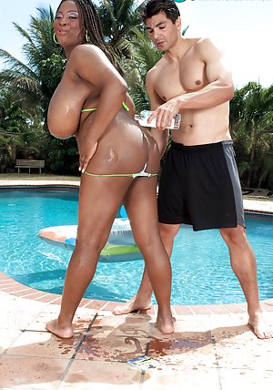 Ebony in Pool Pictures