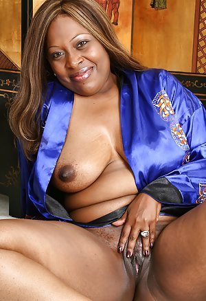 Ebony Pussy Pictures